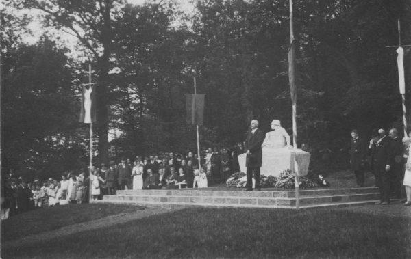 Einweihung des Kriegerdenkmals nach dem ersten Weltkrieg
