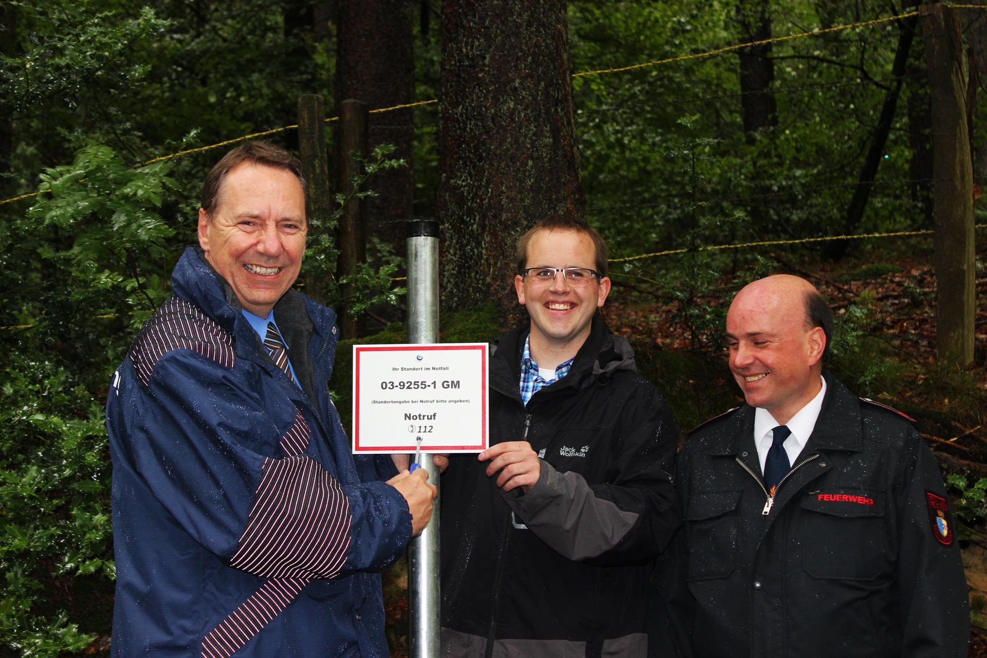 Einweihung des Rettungspunktes auf der Nordhelle in Berghausen.